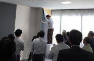 不織布専用糊 はがし試験会の実施(10月24日)
